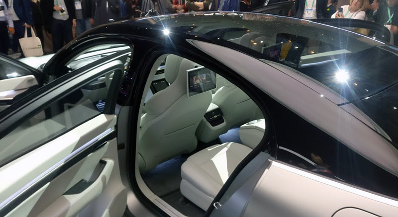 sony vision s coche interior